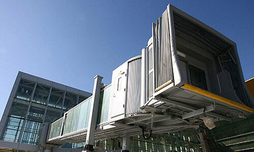 aluminum folding screen extrusion for airport bridge -fonnov aluminium